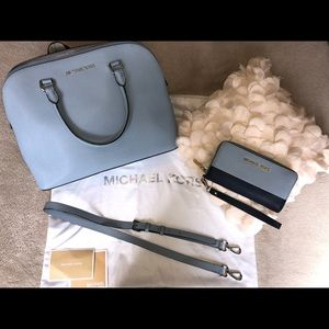 Michael Kors bad and wristlet set